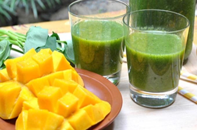 Banana Mango Green Smoothie Recipe