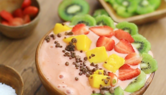 Banana Strawberry Smoothie Bowl