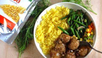 """Mushroom Quinoa """"Meat""""balls and Mushroom Gravy"""